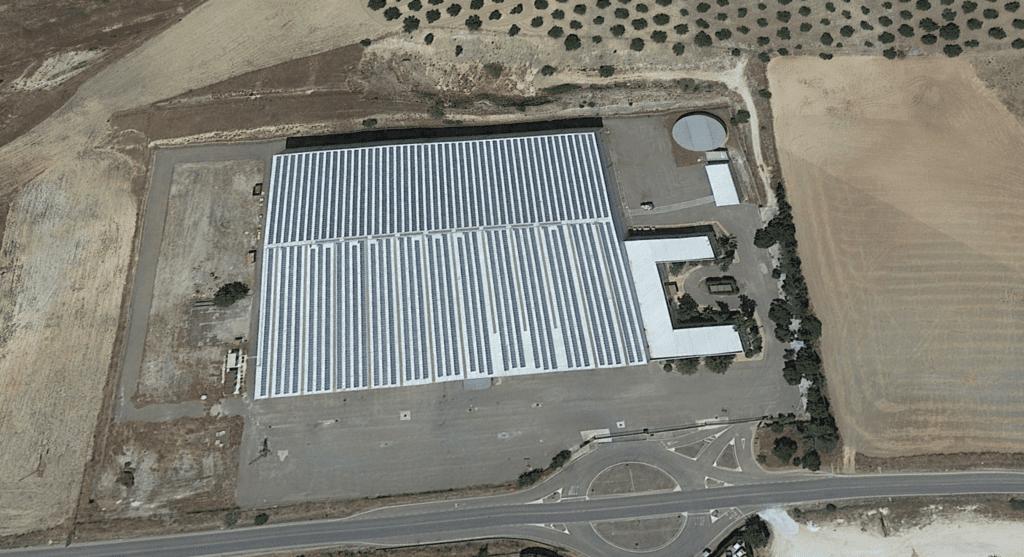 Parque fotovoltaico sobre cubierta (Puente Genil)