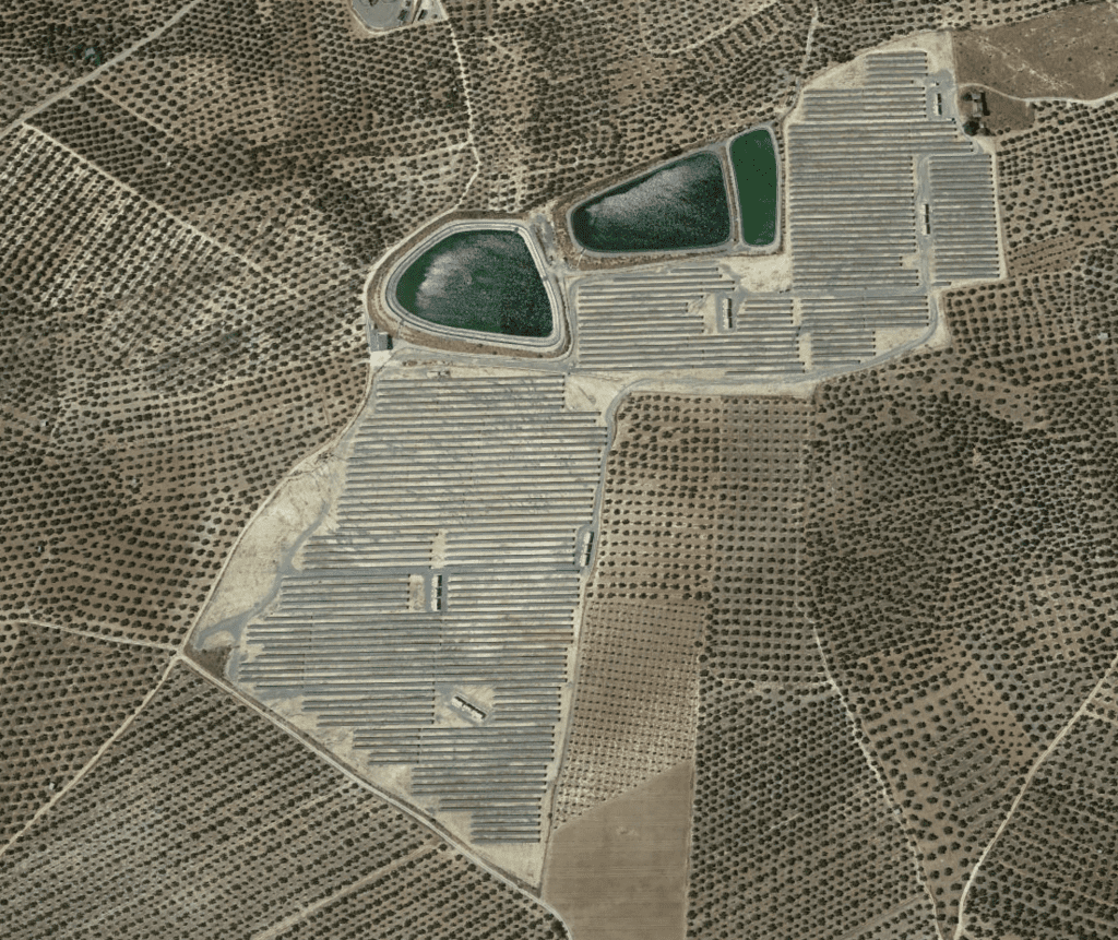 Parque fotovoltaico sobre suelo (Alcaudete)