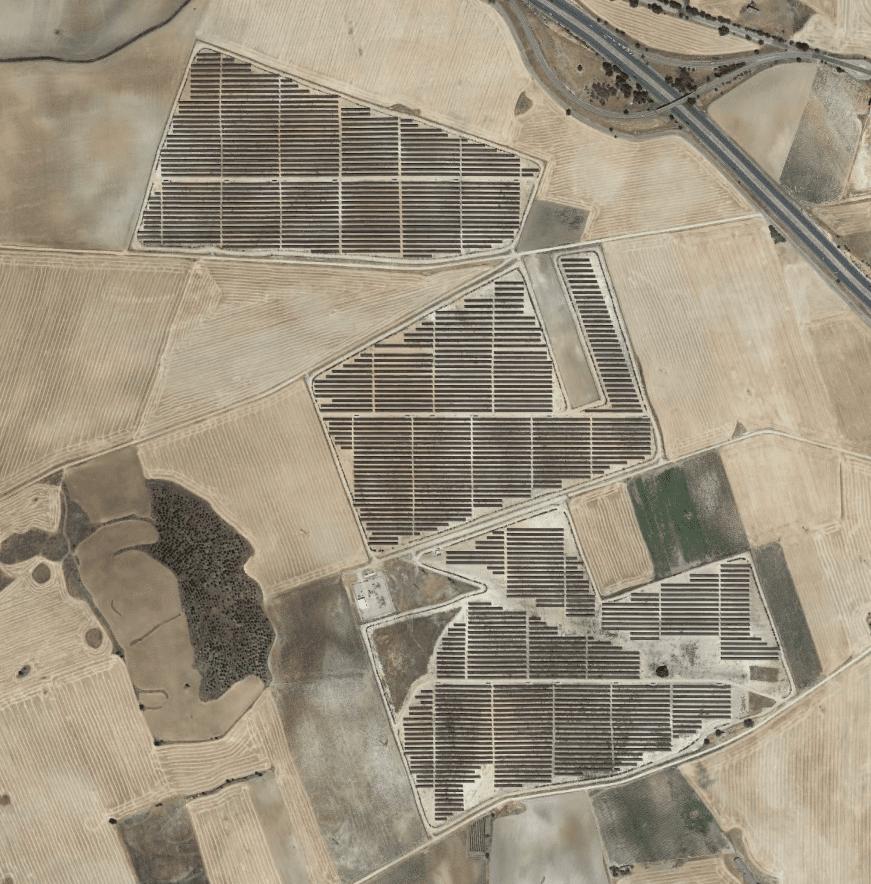 Parque fotovoltaico sobre suelo (Saelices)